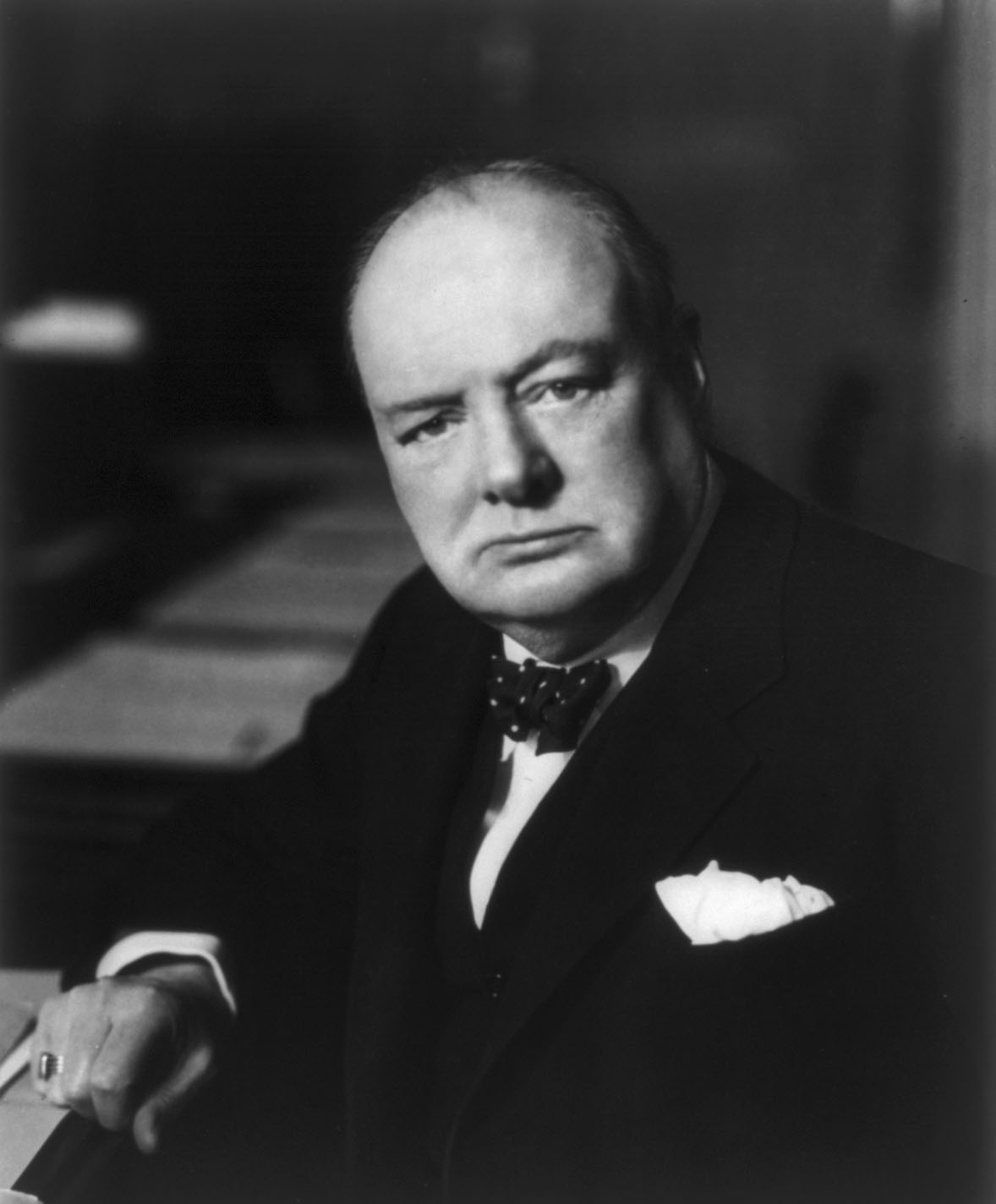http://winstonchurchill-quotes.com/wp-content/uploads/2010/07/Winston_Churchill_01.jpg